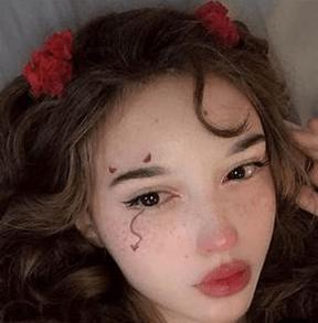 egirl makeup rosy flushed