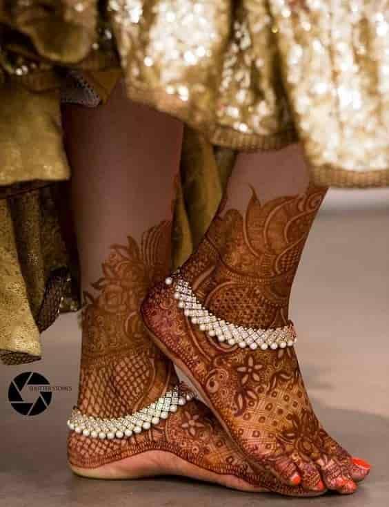 foot pattern mehendi design